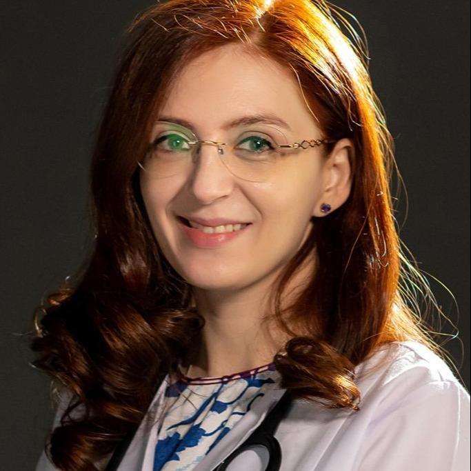 Dr Cristina Pamfil